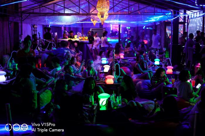 vivo V15Pro lights party