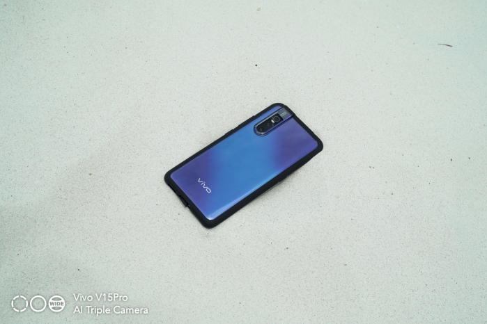 Vivo V15Pro unit on sand